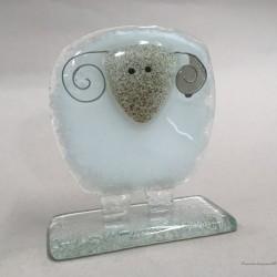 Figurka - Owieczka biała z czarnym pyszczkiem